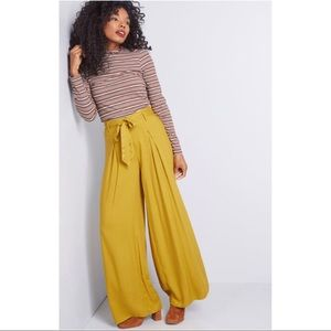 ModCloth, BB Dakota Hold On Tight Wide Leg Pant am